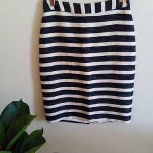 Review striped Textured Skirt size 8